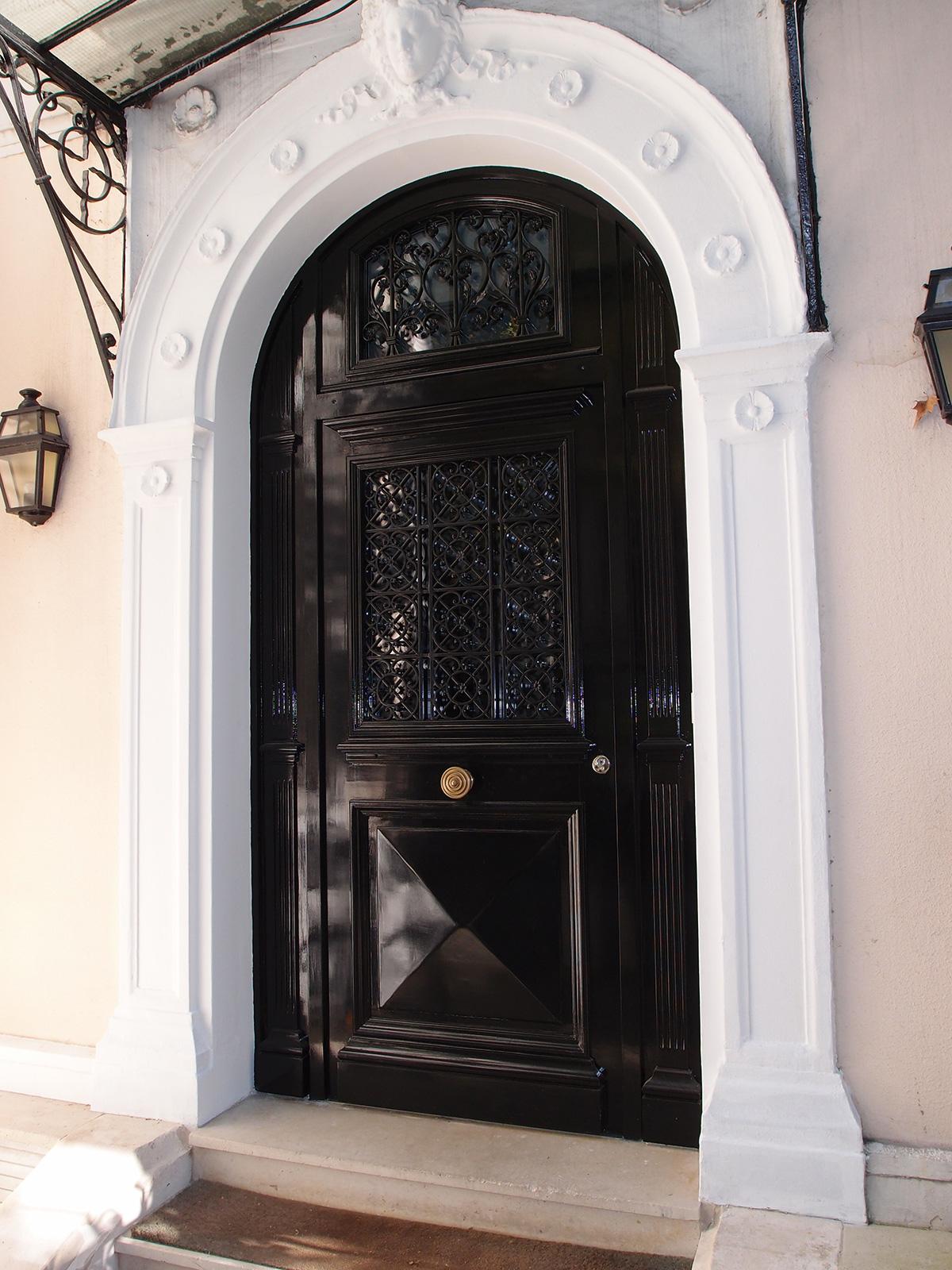 Porte d 39 entr e en bois h tel particulier neuilly sur - Cabinet recrutement neuilly sur seine ...