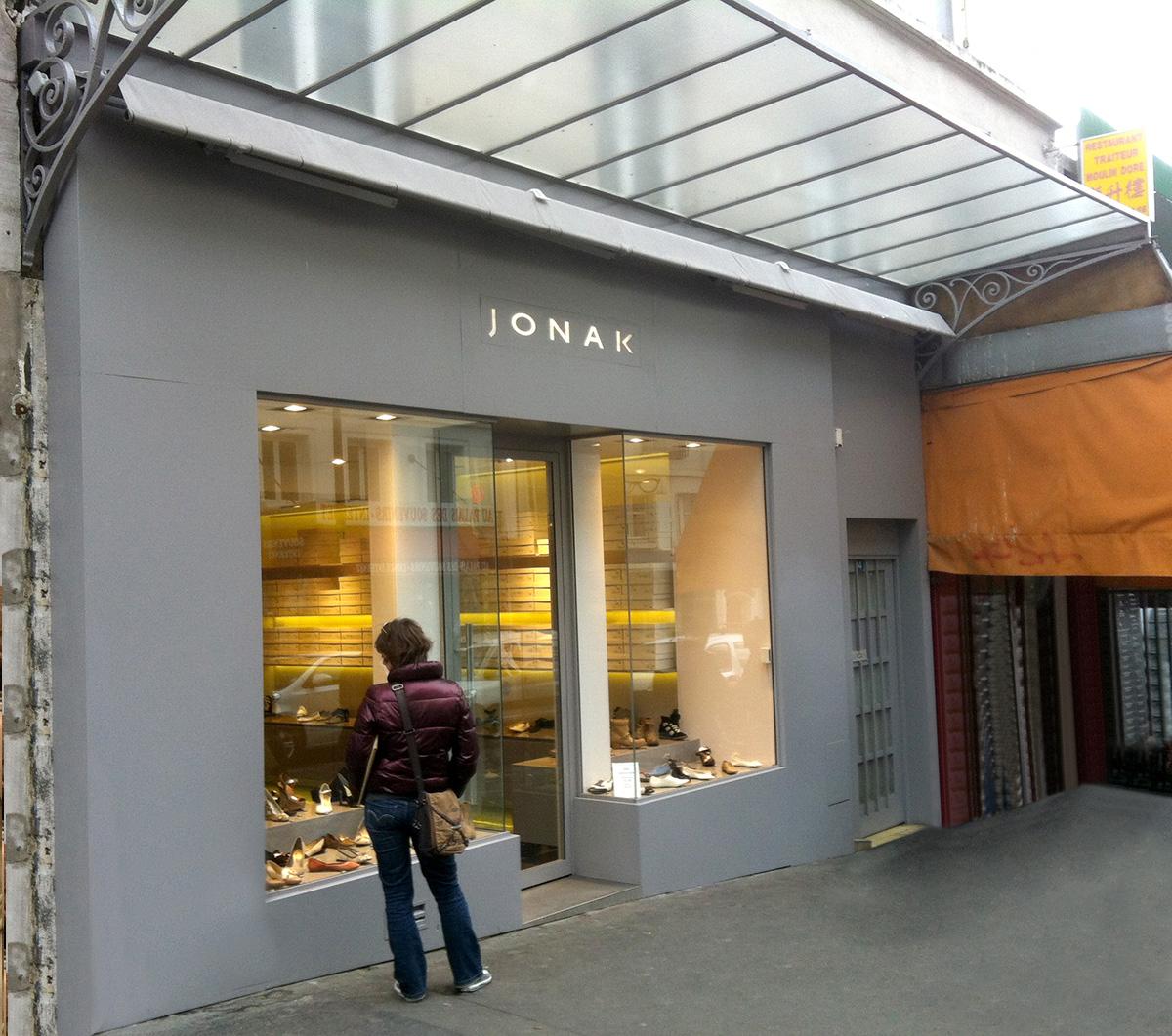 Bak-Systemes-facade-mixte-en-acier-et-en-bois-magasin
