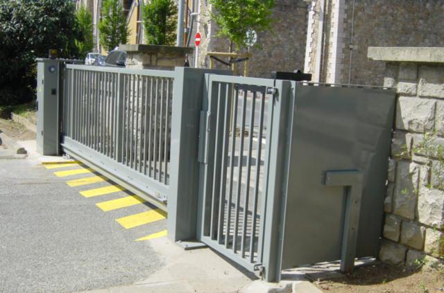 Motorisation et Contrôle d'accès - Portail motorisé - AXIMO SA 3